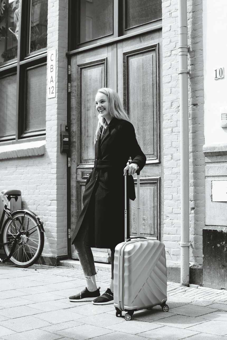 KarienAnne-190509-KIM-Amsterdam-4-TitanSuitcase-001