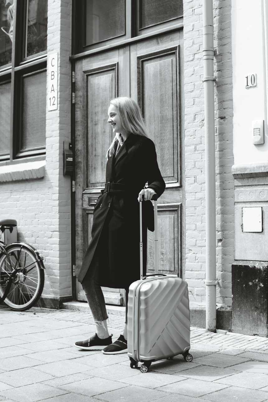 KarienAnne-190509-KIM-Amsterdam-4-TitanSuitcase-002