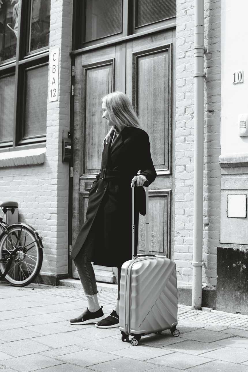 KarienAnne-190509-KIM-Amsterdam-4-TitanSuitcase-003